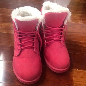Like new Pink winter boots